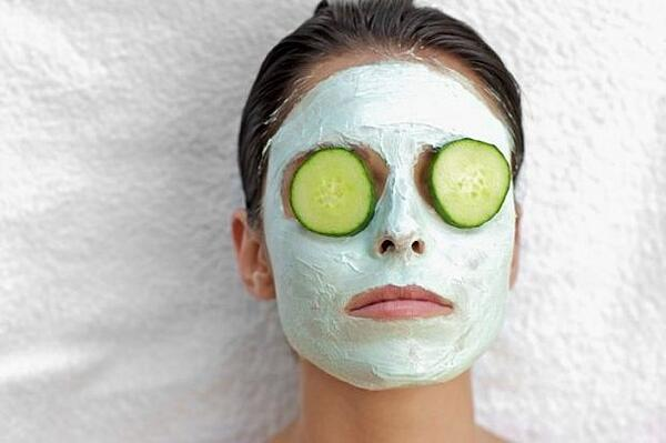 Cucumbers-on-Eyes-Facial-Mask-620x412