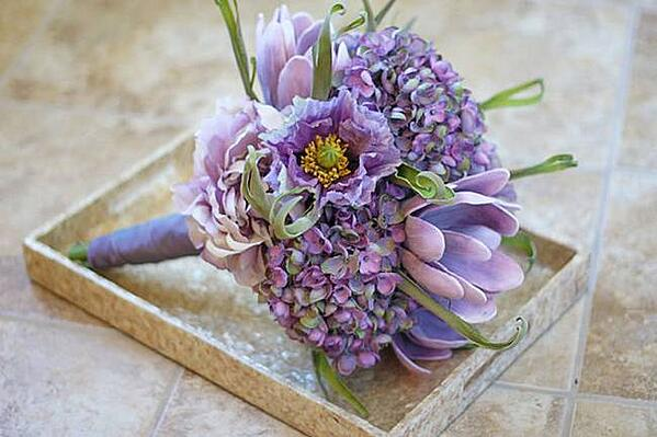 Lilac-and-Lavender-Wedding-Ideas-Trendy-Tuesday-03