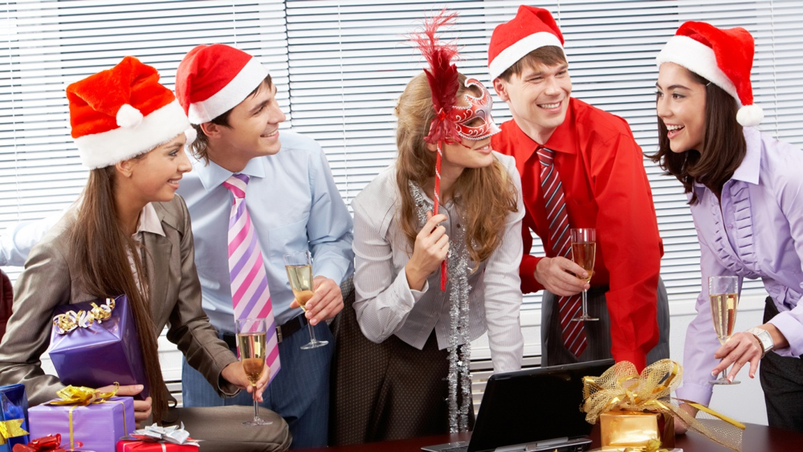 How to bring the holidays into the workplace