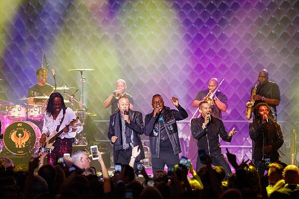 Earth Wind Fire Philly Fights Cancer