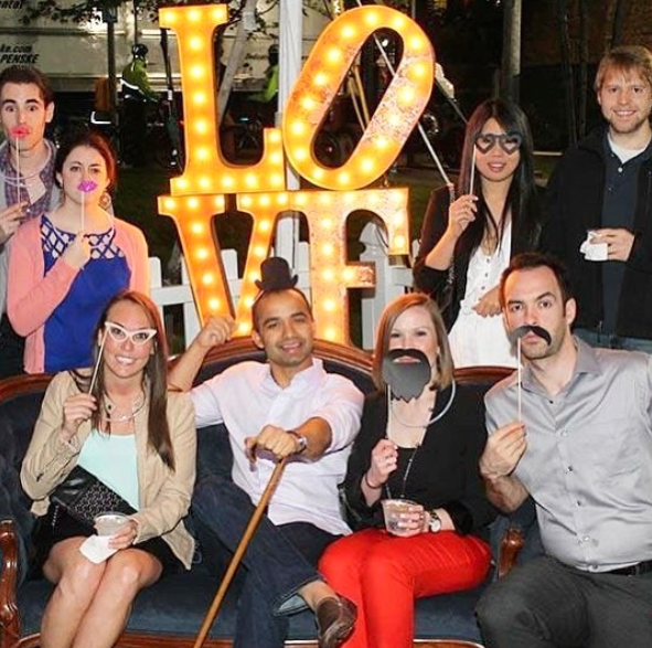 5 reasons why open-air photo booths are more fun