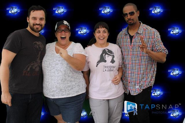 jake johnson_photo booth celebrities use