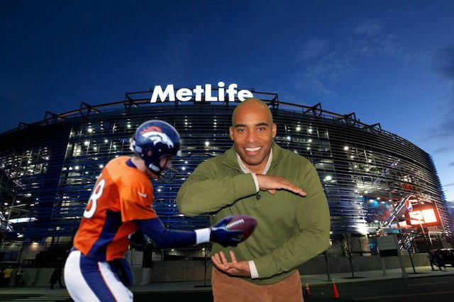 tiki barber_superbowl party-photo booth celebrities use