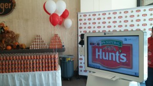 4 Benefits of Photo Booth Marketing for Charity Fundraising Events