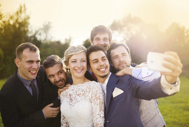 Top 5 Wedding Photo Apps for Your Big Day!