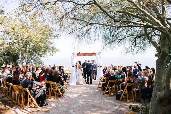 Malibu wedding with round seating