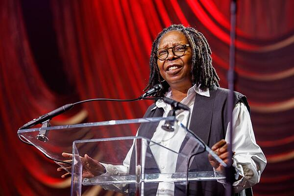 Whoopi Goldberg Philly Fights Cancer